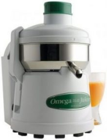 6. Omega 4000 Continuous Pulp-Ejection Juicer